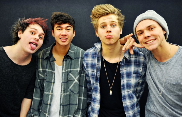 5 Seconds Of Summer kick off headlining tour with new song—watch - Alternative Press
