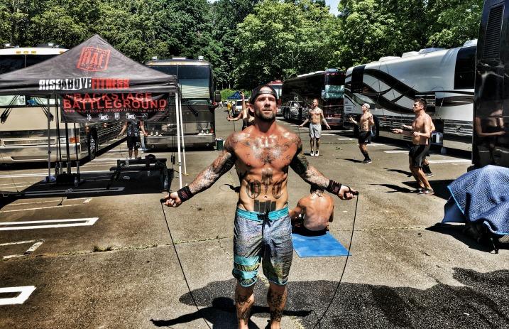 backstage bodybuilding at warped tour with bleeding through s
