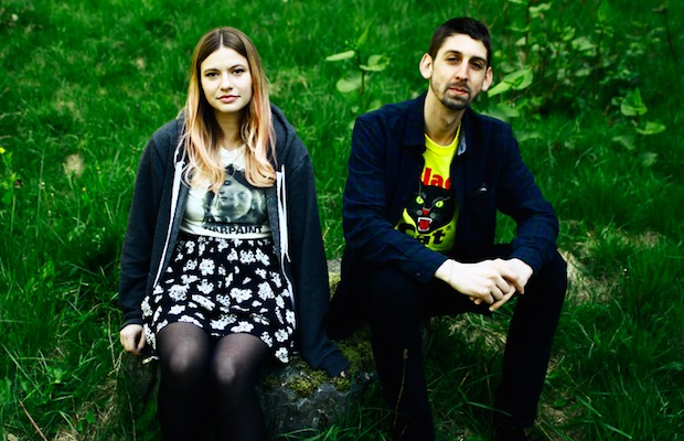 Stream Tigers Jaw's 'Studio 4 Acoustic Session' - Alternative Press