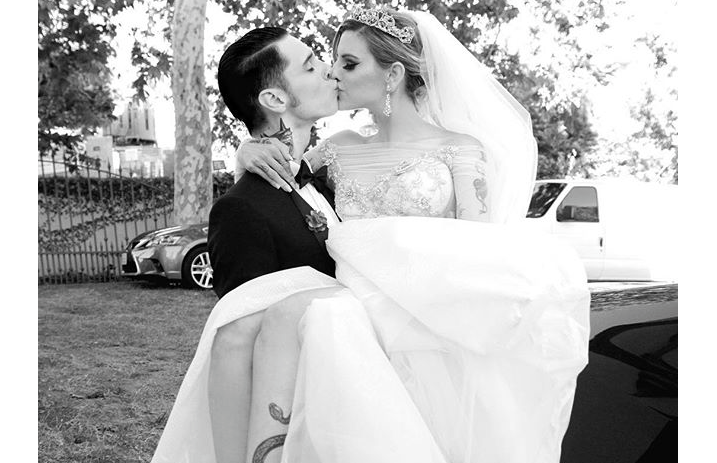 Lead singer of black veil brides dating juliet simms