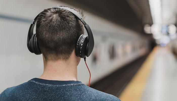 Hasil Carian Imej Untuk Listening To Music