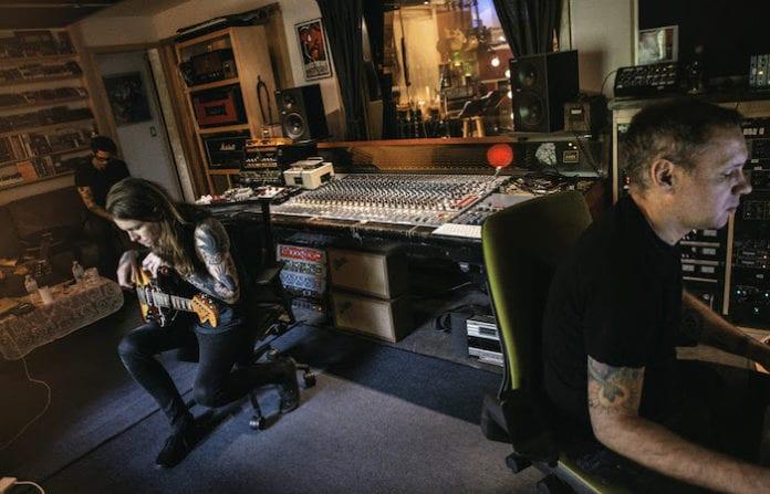 Laura Jane Grace & The Devouring Mothers announce plans for debut album