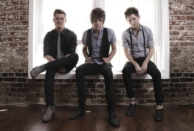 """Artist Vs Poet release new song, """"Break"""" - Alternative Press"""