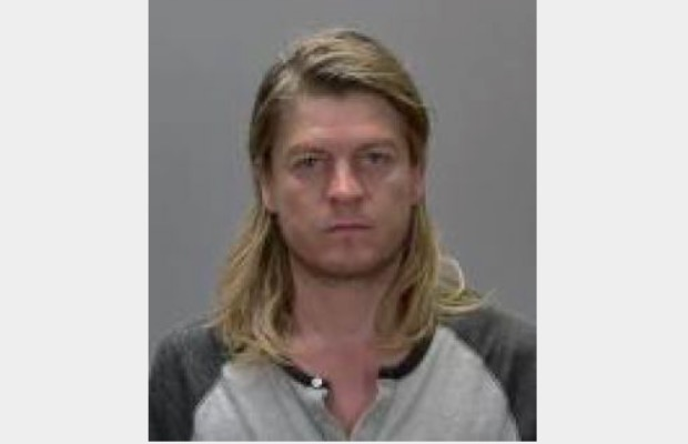 Puddle Of Mudd frontman arrested for attempting to bring a gun onto