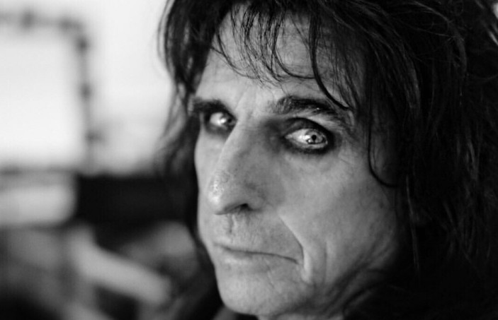 Alice Cooper opens up on wanting to quit persona amid addiction recovery
