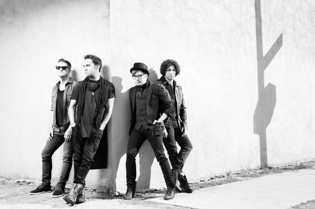"""Fall Out Boy perform """"My Songs Know What You Did In The Dark"""" on UK talk show - Alternative Press"""