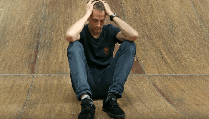 tony hawk trolling people on the internet for not recognizing him is