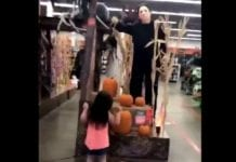 Little girl dancing with Michel Myers to Halloween theme