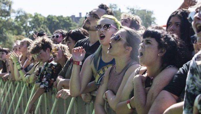 riot fest show crowd crowds concerts tour
