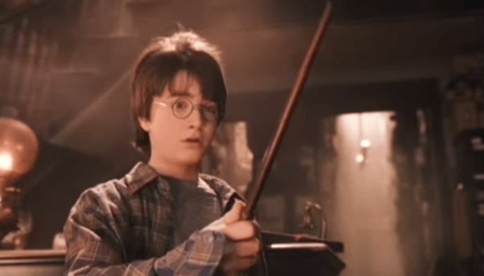 Harry Potter Fans Believe His Scar Isnt Actually A Lightning Bolt