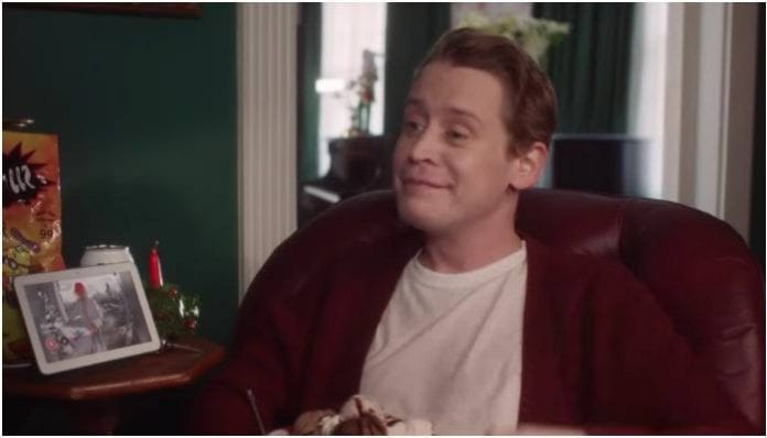 Macaulay Culkin recreates home alone