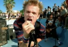 sum 41 in too deep video