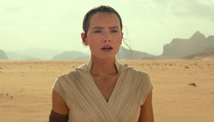 'Star Wars' saga's fired director jokes about 'Episode IX' sci-fi crossover