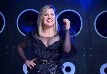 billboard music awards 2019 host kelly clarkson