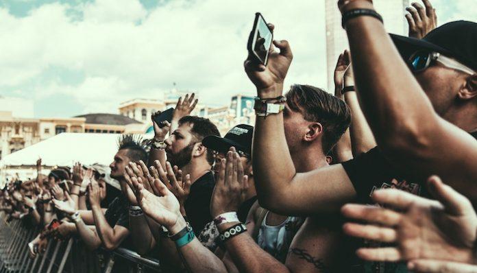 warped tour crowd