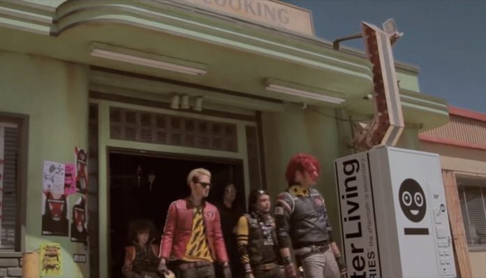 My Chemical Romance Na Na Na jeep commercial diner