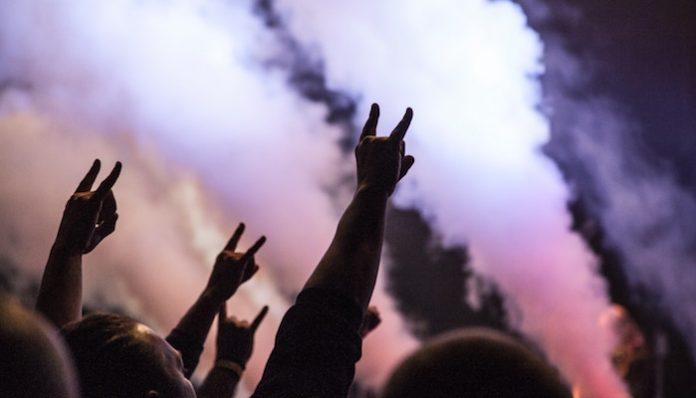 festival concert crowd rockstar disrupt festival louder than life, mayhem festival, lamb of god, megadeth tool coronavirus slam dunk