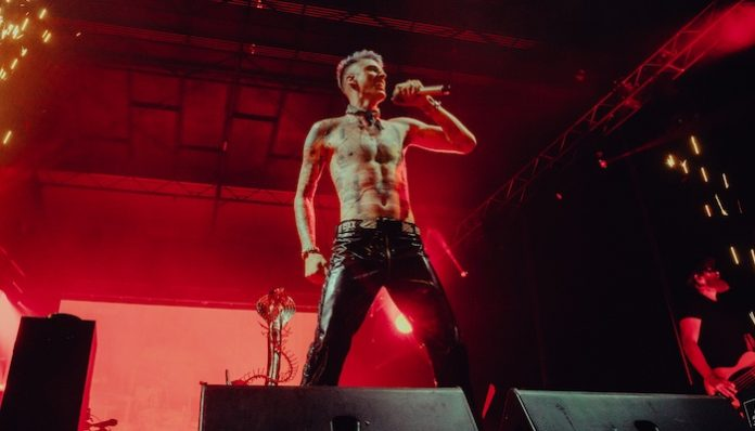 machine gun kelly est fest performance
