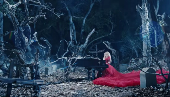 "Avril Lavigne drives to her death in ""I Fell In Love With The Devil"" video"