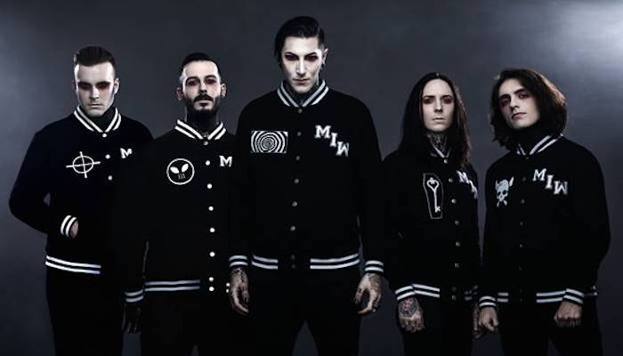 motionless in white vocalist talks most awkward part of alice cooper tour. Black Bedroom Furniture Sets. Home Design Ideas