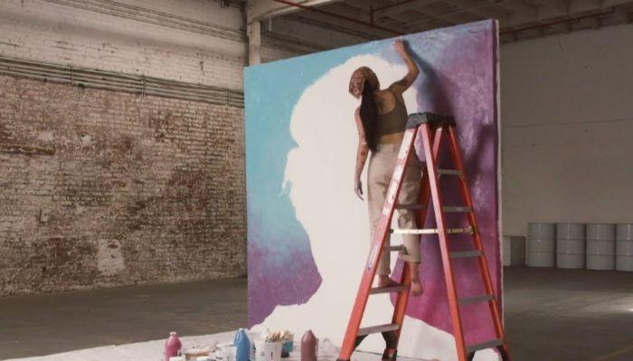 "Halsey shares time-lapse ""Graveyard"" video, 'Manic' album details"
