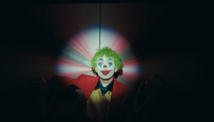 """JUMEX turns into the Joker in """"SPRAYPAINT"""" video with Travis Barker"""