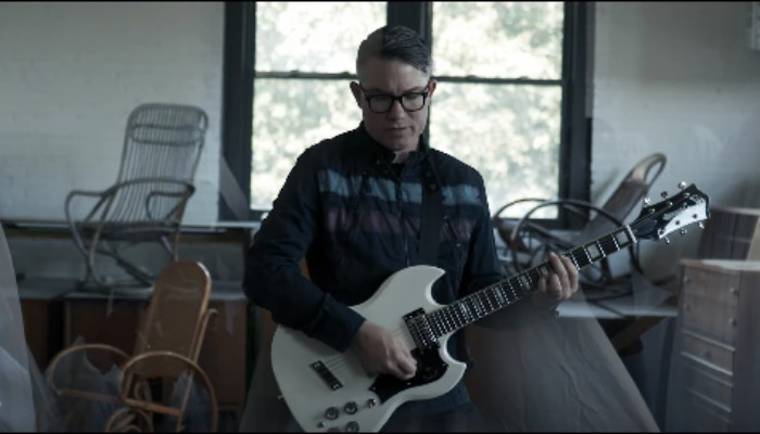 "Hawthorne Heights reveal B-sides album with new song ""Hard To Breathe"""
