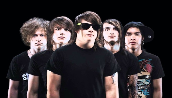 "Caleb Shomo, Attack Attack! singer reunite in throwback ""THIC THICCLY"""