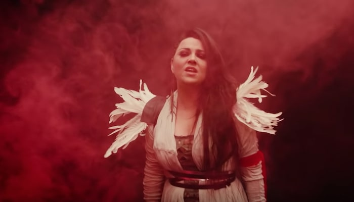 Evanescence drop crimson-packed