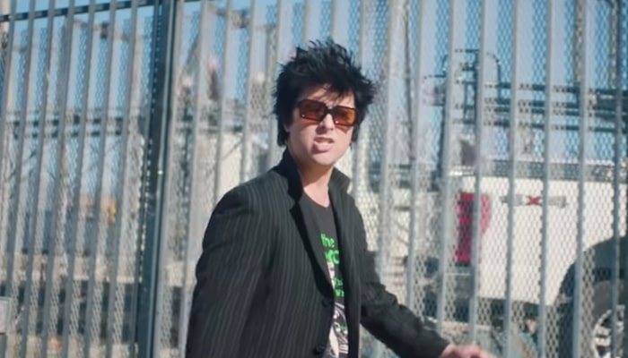 "Green Day poke fun at social media absorption in new ""Oh Yeah!"" video"
