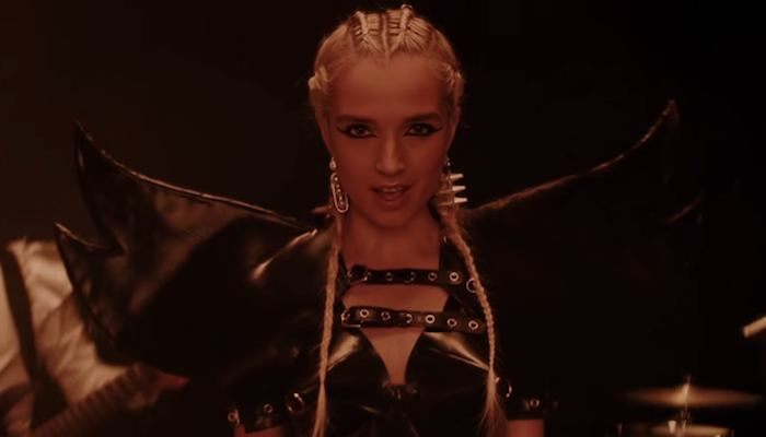 Poppy plays booming medley of songs at WWE's NXT TakeOver