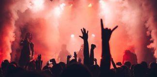 concert crowd metal weed coronavirus riot fest