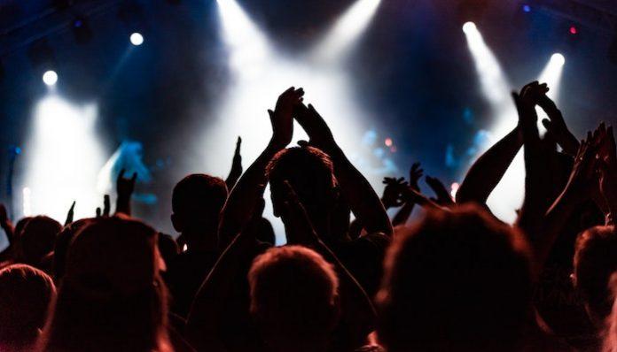 Nashville crowd coronavirus sxsw