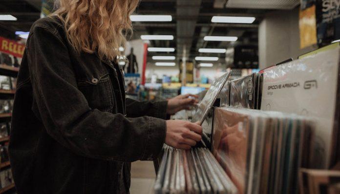 vinyl store music lovers