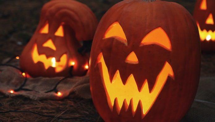 target 2020 halloween decorations-min