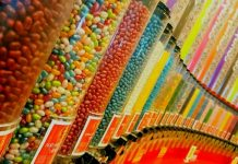 Jelly Belly Willy Wonka scavenger hunt-min