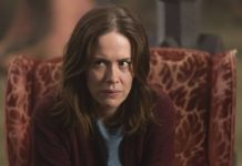 American Horror Story Sarah Paulson-min