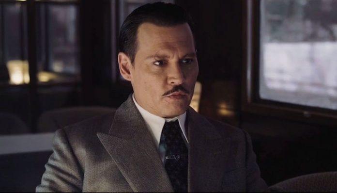 Johnny Depp Tim Burton Addams Family-min
