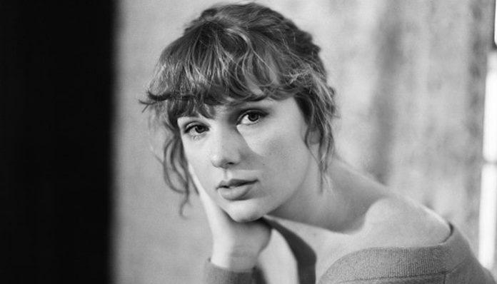 Taylor Swift folklore-min
