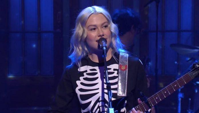 Phoebe Bridgers Saturday Night Live-min