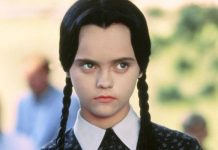 Tim Burton Addams Family Wednesday Netflix-min