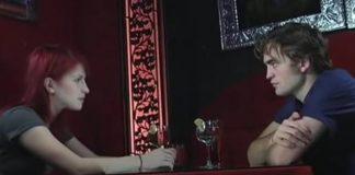 """Hayley Williams Robert Pattinson interview Twilight """"Artist On Artist"""" video"""